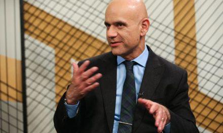 Caetano: Reforma terá de ser mais forte se adiada