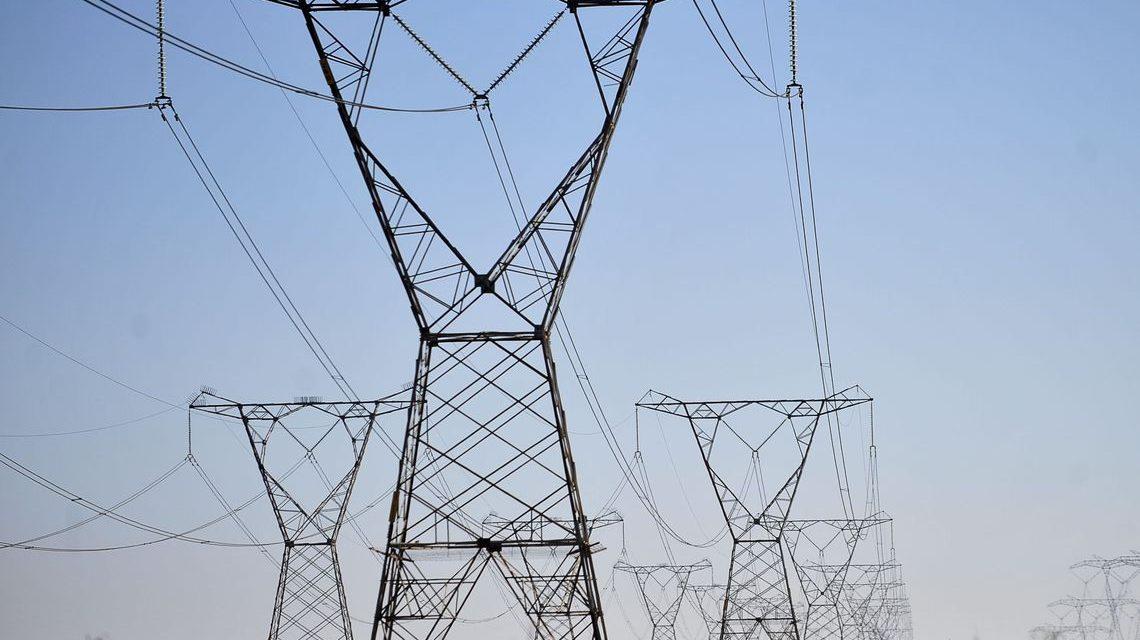 Quem paga a conta da mudança climática na privatização das elétricas?