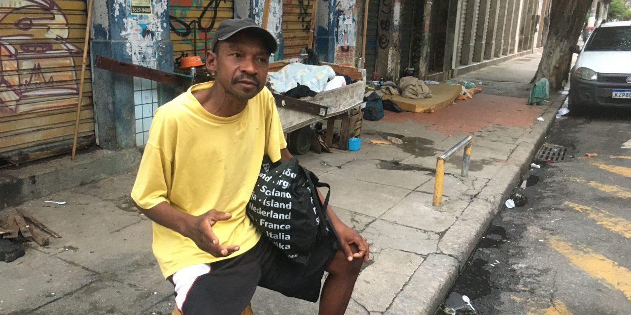 Cadastro exige SMS e moradores de rua ficam sem  auxílio