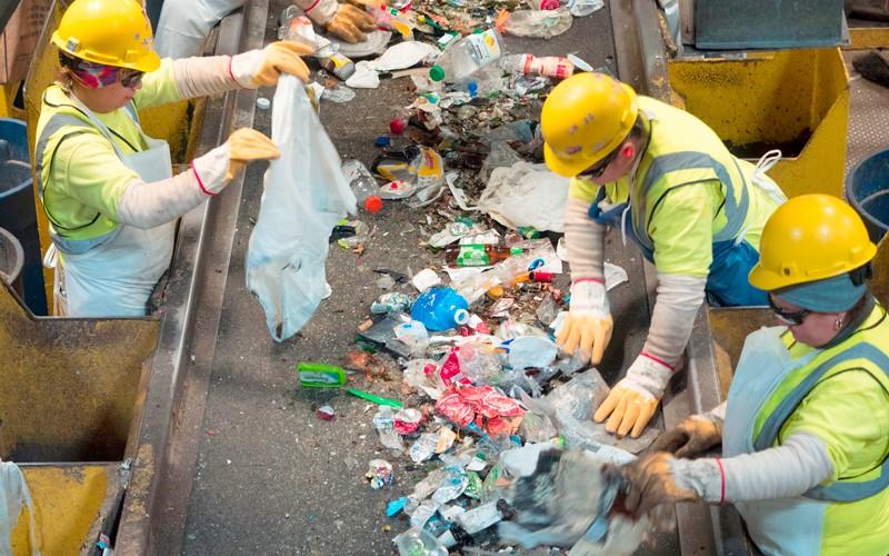 Embalagens disparam na pandemia, mas reciclagem não acompanha