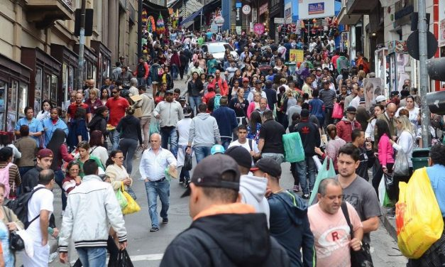 Brasil: 33 milhões de informais no novo auge da pandemia