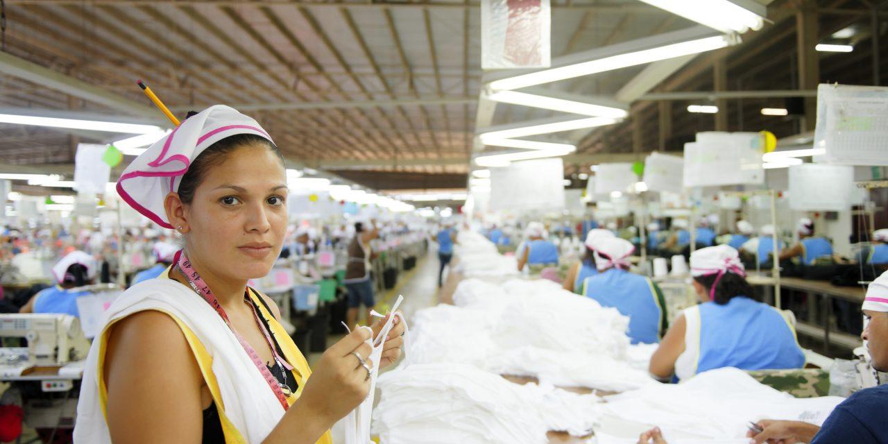 Trabalhadoras contam como se sentem recebendo 15% menos que homens no Brasil